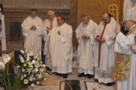 In preghiera per la beatificazione di Tinarelli