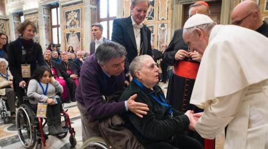 Il Papa alla Commissione carità e salute della CEI