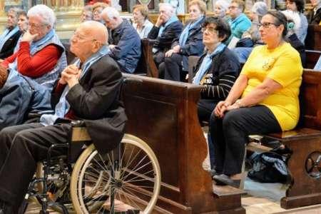 Le stampelle di Monsignore da don Bosco
