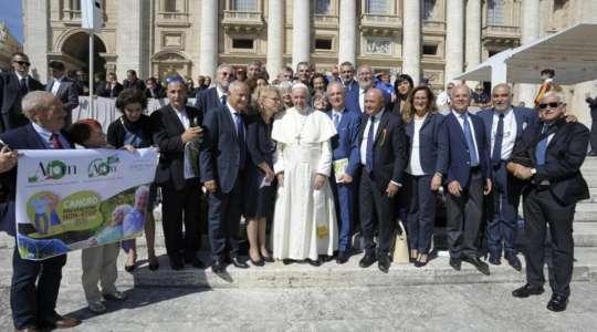 Papa Francesco ai membri dell'AIOM