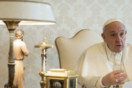 Il pensiero del Papa a chi soffre