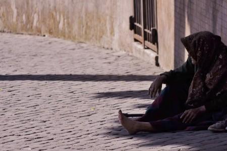 """""""Tendi la tua mano al povero"""" (cfr Sir 7,32)"""