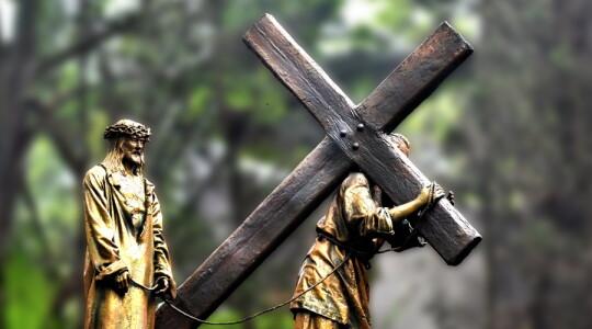 La croce unica via del cristiano